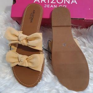 Arizona Jean Co Royal Yellow Sandals sz 8.5 NIB